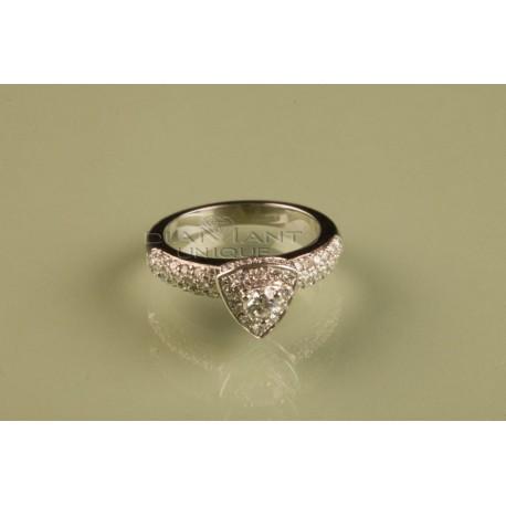 bagues solitaire pour les femmes vente des bijoux et diamant. Black Bedroom Furniture Sets. Home Design Ideas